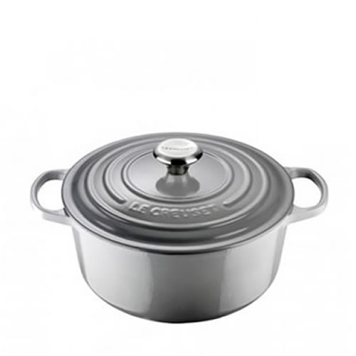 Mist Grey Signature Round Casserole 26cm plus a FREE PAIR OF SALT & PEPPER MILLS Valued at $130