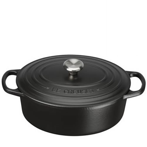 Satin Black Signature Oval Casserole 27cm plus a FREE PAIR OF SALT & PEPPER MILLS Valued at $130