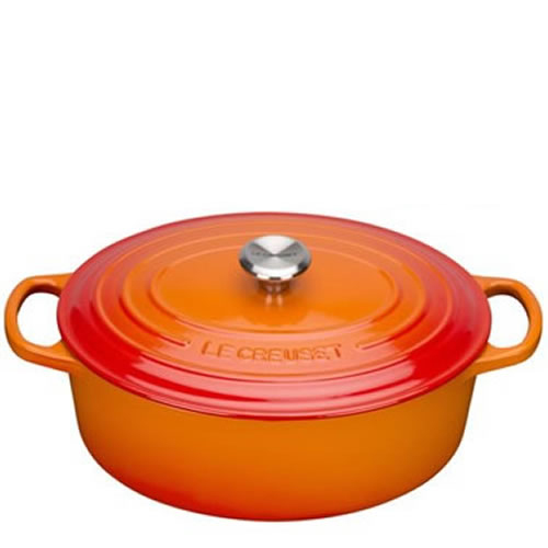 Volcanic Signature Oval Casserole 27cm plus a FREE PAIR OF SALT & PEPPER MILLS Valued at $130