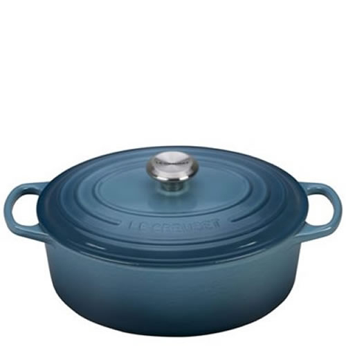 Marine Signature Oval Casserole 29cm plus a FREE PAIR OF SALT & PEPPER MILLS Valued at $130