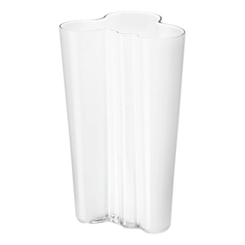 Alvar Aalto Collection Vase 201 mm in Opal White