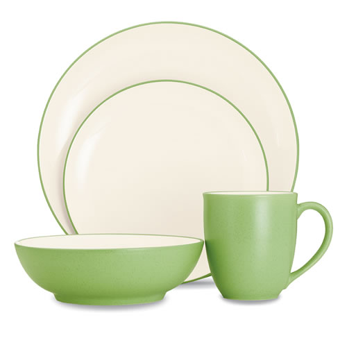 Colorwave Apple Green 16pce Place Setting