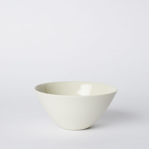 Medium Flared Bowl in Milk