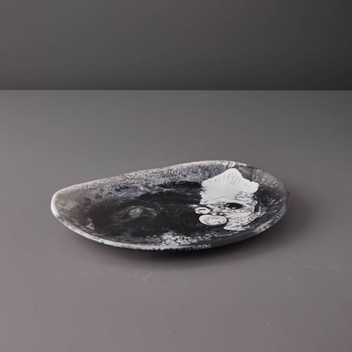 Resin Medium Platter in Black Marble