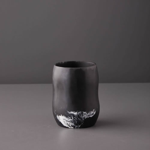 Resin Curvaceous Vase in Black Marble