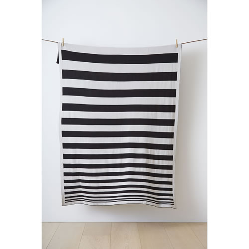 K&K Original Throw in Black and Grey